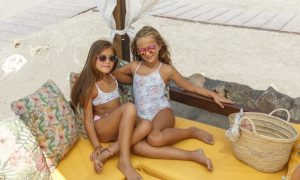 belen-zotano-bikinis-niña-bañadores-niñas-original-malaga-coleccion-flores-malva-bañadores-para-toda-la-familia-mamas-niñas