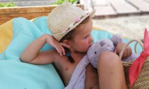 culetin-niña-belen-zotano-bañadores